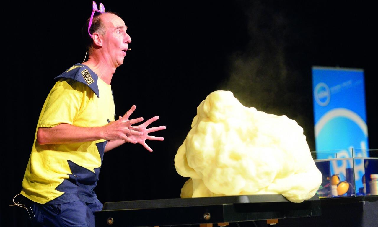 SPECIALE SCUOLE: Magic andy: chimicamente esplosivo!