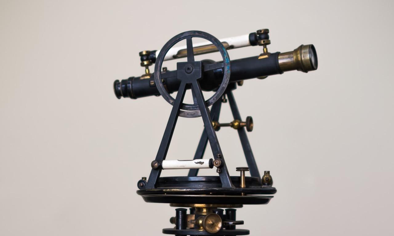 Galileo davanti al telescopio: ciò che il suo cervello disse al suo occhio