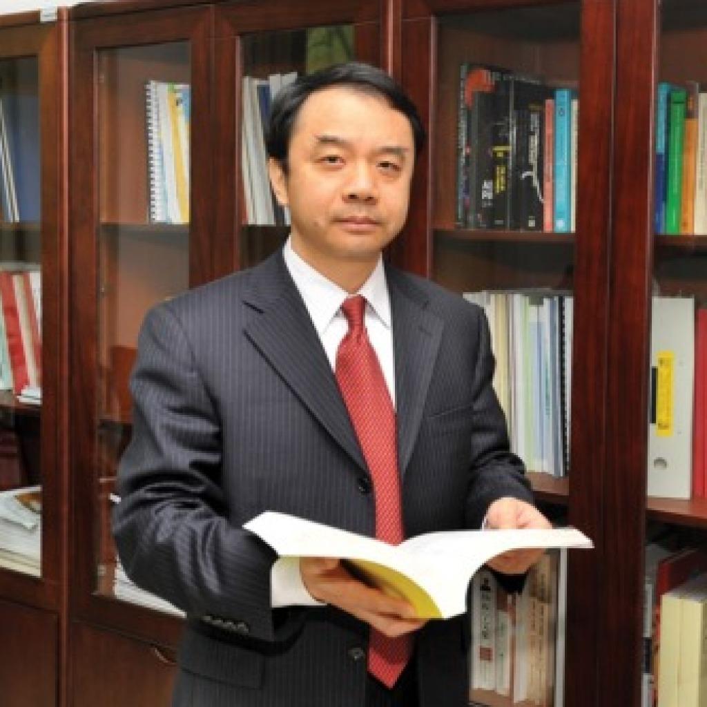 Yifang Wang